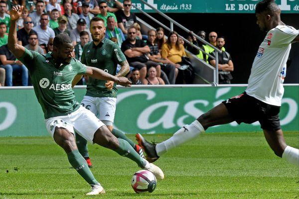 La nouvelle recrue verte Yannis Salibur, préféré à Kevin Monnet-Paquet pour affronter Amiens.