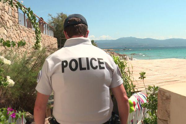 Depuis le 9 août dernier, la police intensifie les contrôles des pass sanitaire dans les bars et restaurants d'Ajaccio.