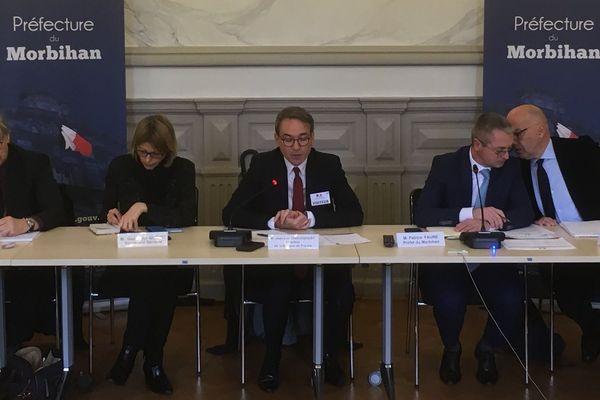 Une réunion réunissant le Préfet ainsi que des décideurs et des acteurs de l'économie a lieu en préfecture du Morbihan ce mercredi 11 mars pour annoncer des mesures prises en faveur des entreprises impactées par le coronavirus .