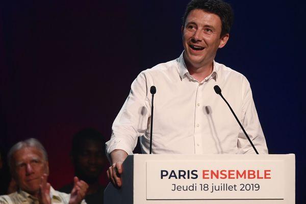 Jeudi 18 juillet, Benjamin Griveaux a rassemblé un millier de personnes pour son premier meeting de campagne aux municipales de Paris.