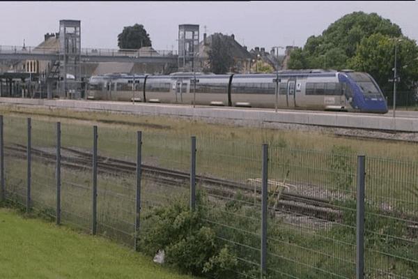 Le Caen-Le Mans-Tours très utilisé par les étudiants au départ d'Alençon ou Argentan.
