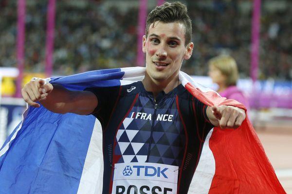 Pierre-Ambroise Bosse lors de sa victoire sur le 800m des derniers championnats du monde d'athlétisme à Londres en août 2017.