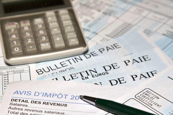 Depuis le vendredi 19 juillet, un simulateur permet aux 16.8 millions de contribuables concernés par la baisse d'impôts à partir de 2020, de connaître le montant de leur économie.