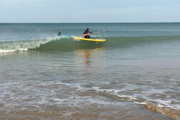 Les rafales ont séduit les amateurs de surf à Ouistreham