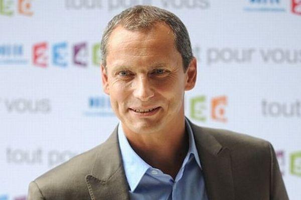 """Louis Laforge, présentateur de l'émission """"Des Racines et des Ailes"""""""