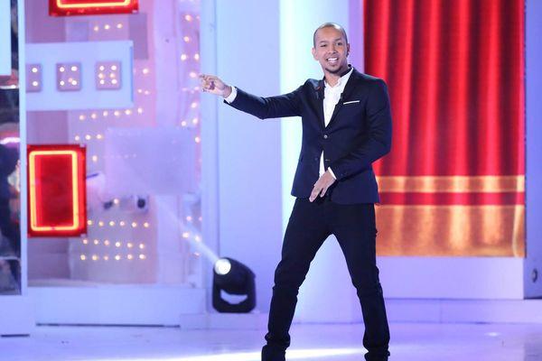 """l'humoriste Waly Dia dans l'émission """"Vivement Dimanche"""" sur France 2"""