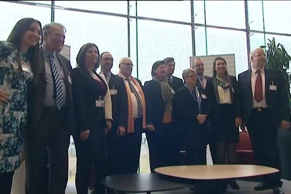 Les élus de l'Oise au nouveau Conseil Régional ont pris la pose.