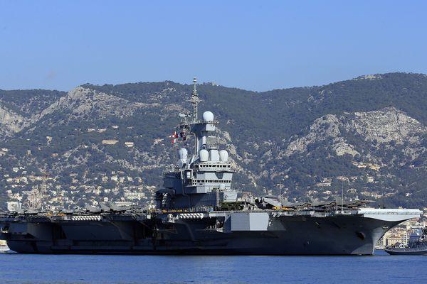 Le porte-avions Charles De Gaulle à Toulon - Archives