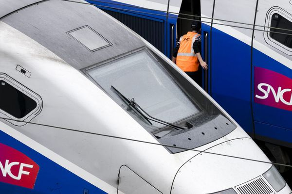 Avec la suppression du train de 8h56 à destination de Paris, les usagers sont vent debout contre une décision qu'ils jugent injuste.