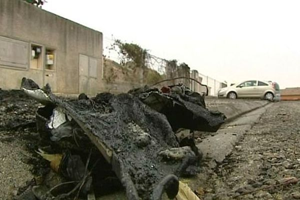 Carcassonne - 18 voitures incendiées dans la nuit de mercredi à jeudi - 5 décembre 2013.