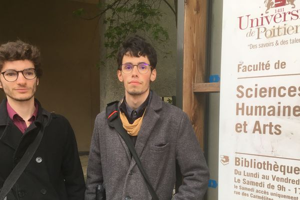 Rémi Gonzalez et Gabriel Lacaze sont deux des étudiants à l'origine du collectif qui aujourd'hui sonne l'alerte après que des étudiants aient constaté de nombreuses erreurs dans leurs bulletins de notes.