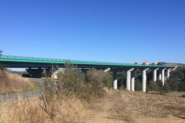 """Le viaduc du Layon , l'un des 23 ponts à l'état jugé """"altéré"""""""