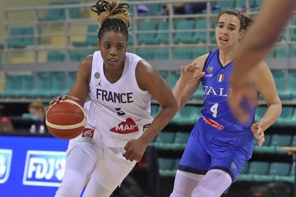 La Rémoise est capitaine de l'équipe de France de basket depuis 2017.