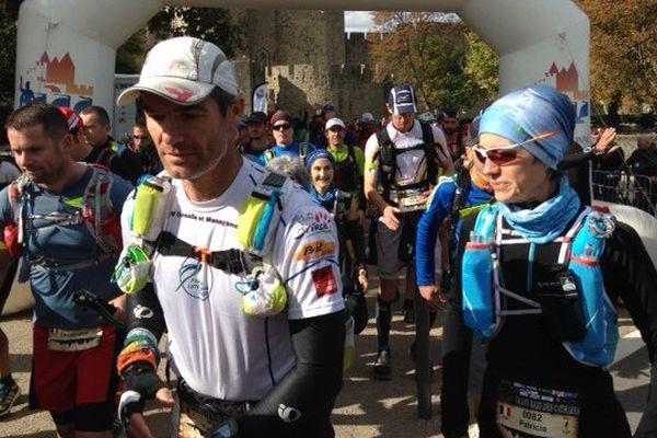 155 personnes sur la ligne de départ de la première édition du Grand Raid des Cathares, dans l'Aude - 15 octobre 2015