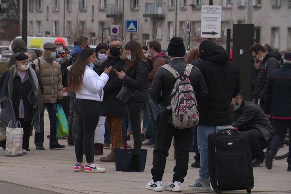 Vers 15h30, tous les passagers en attente ont été évacués de la gare d'Angoulême