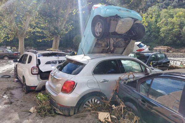 Maisons, voitures... L'eau a tout emporté dans la vallée de la Roya.