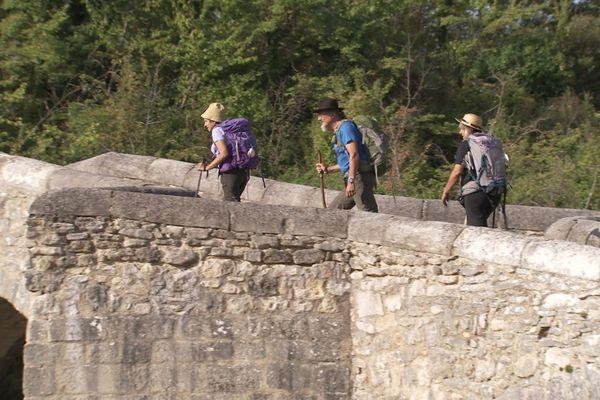Sur le chemin de Saint-Jaques-de-Compostelle, dans le Luberon