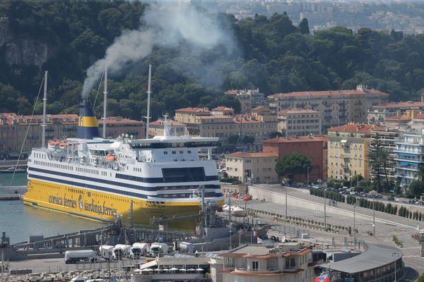 Un bateau Corsica Ferries au port de Nice, le 26 juillet 2018.