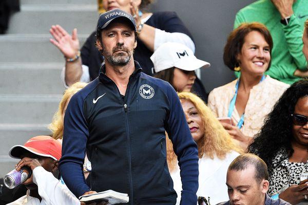 """L'entraîneur Patrick Mouratoglou s'est dit """"à la disposition"""" de l'équipe de France de tennis."""