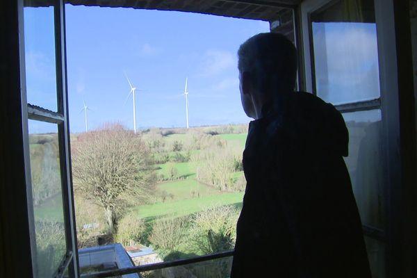 Michel Lerouet connait des nuits beaucoup moins tranquilles depuis la mise en service de cinq éoliennes