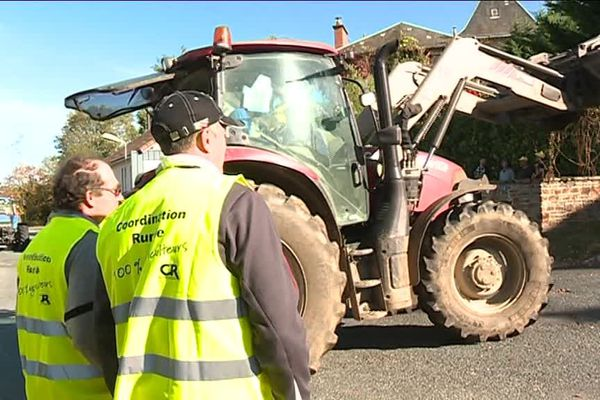 Blocage d'un dépôt de carburants à Saint-Yrieix-la-Perche par la Coordination Rurale