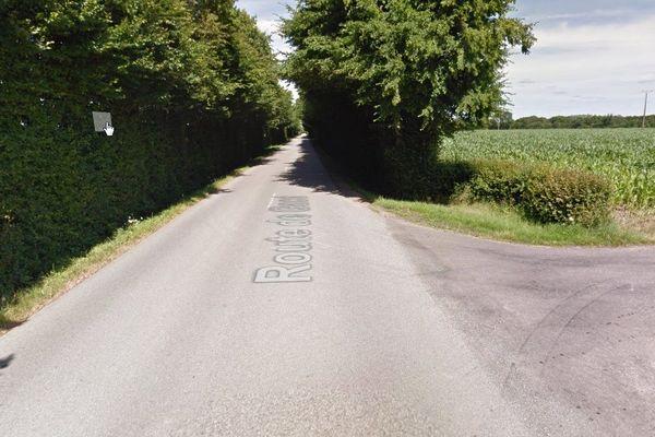 L'accident a eu lieu à la sortie de la Ferté-frênel sur la D14 en direction du village de Bocquencé