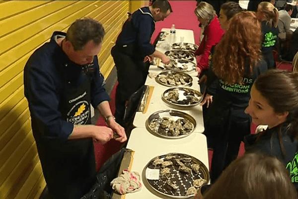 L'ouverture de 2000 huîtres pour le concours général du salon de l'agriculture 2017