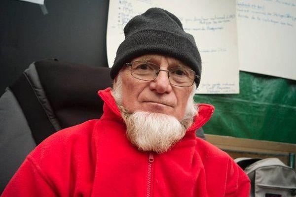 Michel Tarin, en mai 2012 lors de la grève de la faim pour protester contre le projet d'aéroport au nord de Nantes.