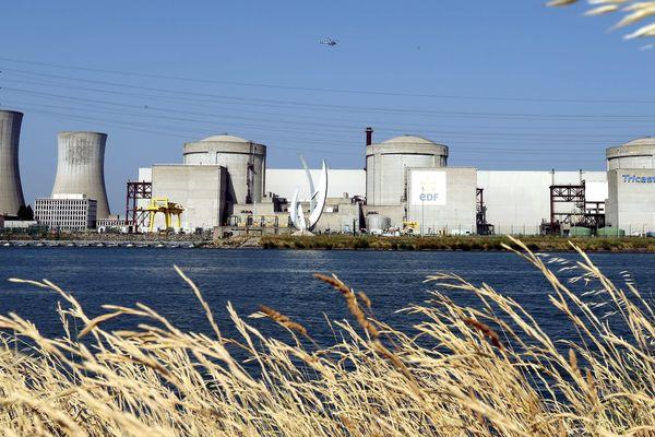 La centrale nucléaire du Tricastin, à Saint-Paul-Trois-Châteaux dans la Drôme, est mise en cause pour sa dangerosité potentielle.