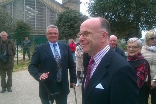 Le ministre de l'Intérieur Bernard Cazeneuve ce vendredi 8 mai à Cherbourg