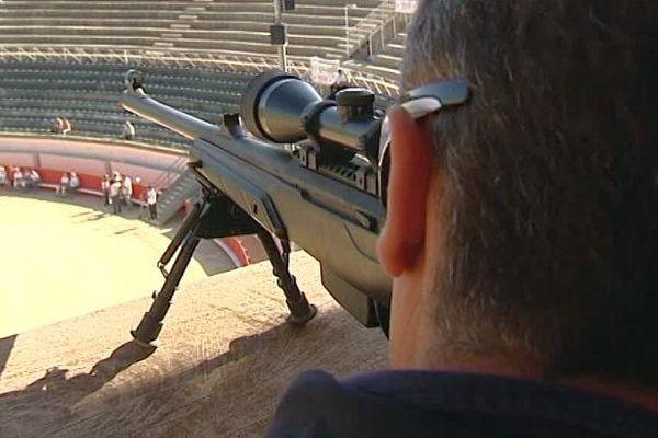 Béziers (Hérault) - des snipers pour surveiller les arènes - 11 août 2016.