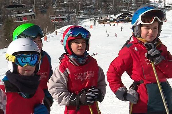 Chaque mercredi, pour 360 jeunes niçois, cette année, c'est journée ski.