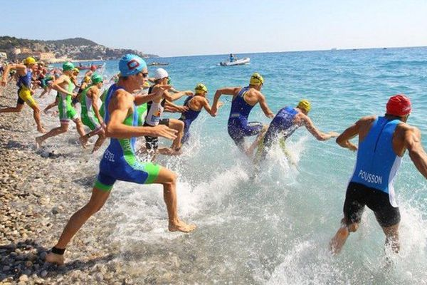 Départ Triathlon Championnat de France Groupes d'Age et Open