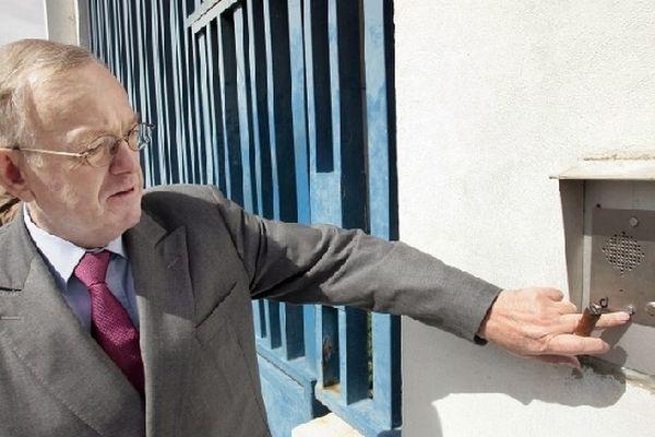Maître Olivier Metzner était venu rendre visite à son client Bertrand Cantat le 20 septembre 2007, détenu depuis 2004 à la prison de Muret.