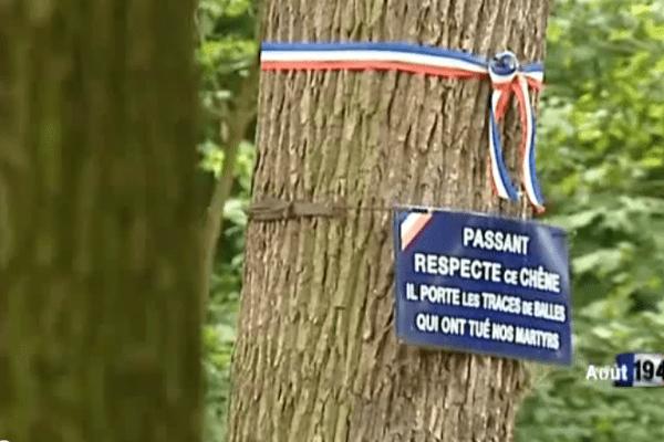 Dans la nuit du 16 au 17 août 1944, 35 jeunes gens chrétiens communistes et gaullistes  qui étaient à la recherche d'armes et qui ont été piégés par un agent de la gestapo sont fusillés près de la grande cascade du bois de Boulogne. 17 d'entre eux étaient de Chelles en Seine et Marne.
