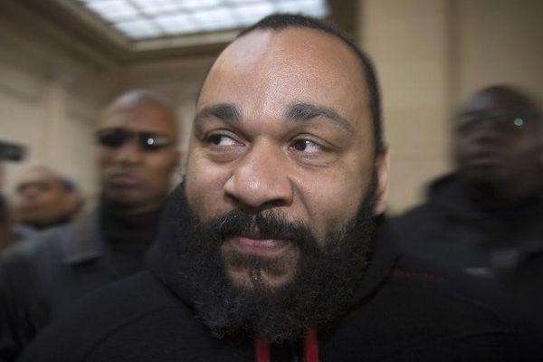 Dieudonné au tribunal à Paris, le 13  décembre 2013