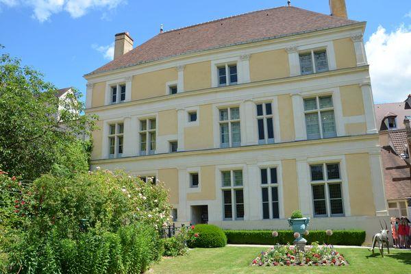 La maison natale de Jean de la Fontaine devenue musée.
