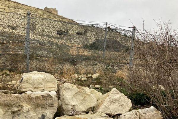 A La Roche-Blanche dans le Puy-de-Dôme, des travaux vont débuter pour sécuriser la falaise.