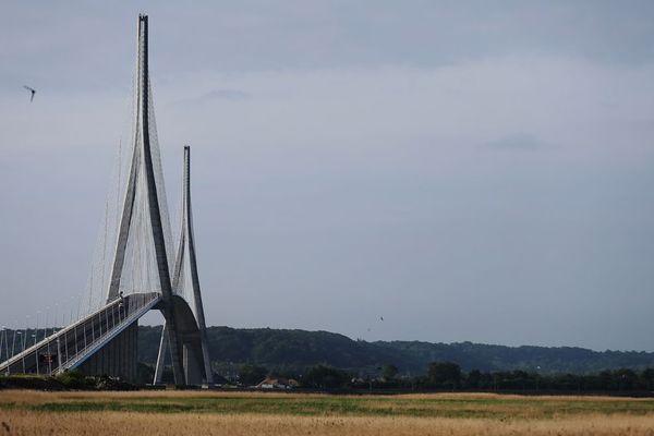 Le pont de Normandie a été mis en service le 26 janvier 2015