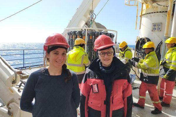 Catherine Jeandel (à droite) avec Hélène Planquette, les deux chercheuses du CNRS directrices de la mission