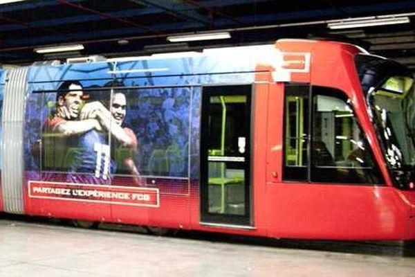 Un tram XXL à la taille des rugbymen grenoblois
