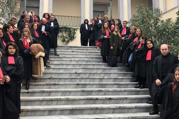 Vendredi 17 janvier, des avocats du barreau de Bastia, en grève, ont boycotté l'audience de rentrée solennelle du tribunal judiciaire.