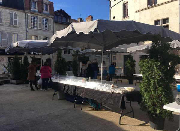 A Périgueux, le marché au gras ne connaît pas sa fréquentation habituelle.