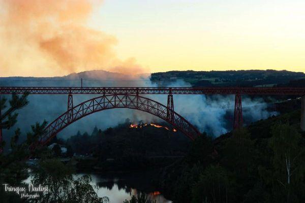 La gendarmerie de Saint-Flour, dans le Cantal, a interpellé l'auteur présumé des incendies du Viaduc de Garabit ce lundi 27 juillet.