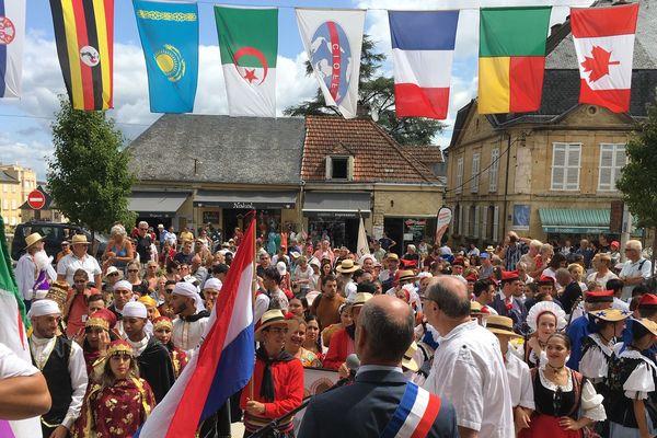 Rassemblement international à Montignac, à l'occasion du festival Cultures aux coeurs de 2019.