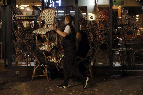 Samedi 17 octobre, cafés et restaurants vont devoir fermer à 21 heures en raison du couvre-feu.