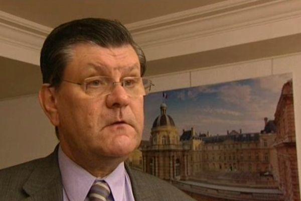 Jean-Patrick Courtois, sénateur-maire de Mâcon (UMP)