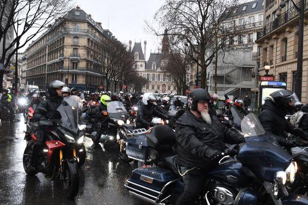 Le cortège de motards, ce samedi 6 février à Paris.