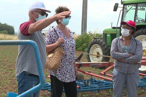 Le domaine expérimental de l'INRA de Bretenière, (Côte-d'Or) teste de nouvelles techniques culturales qui permettraient de ne plus utiliser de produit phytosanitaire.