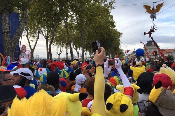 Le départ toujours très coloré du Marathon du Médoc